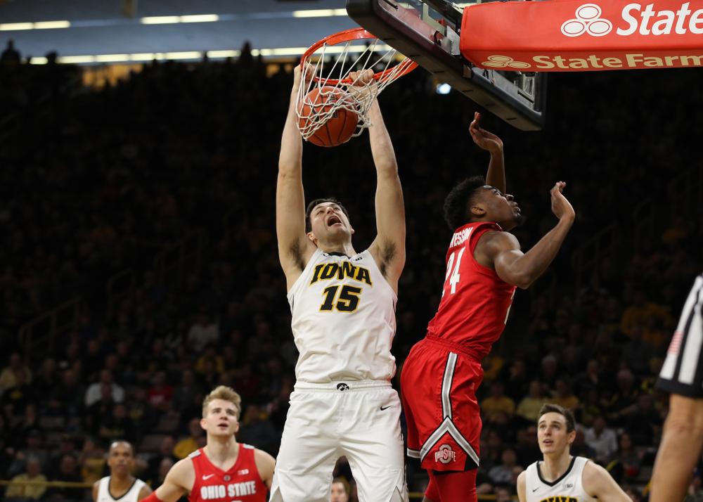 Iowa Hawkeyes forward Ryan Kriener (15) dunks the ball against the Ohio State Buckeyes Saturday, January 12, 2019 at Carver-Hawkeye Arena. (Brian Ray/hawkeyesports.com)