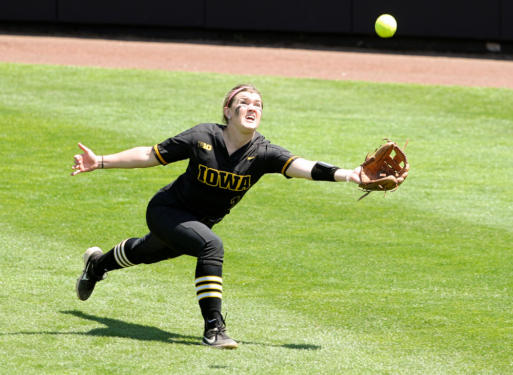 Iowa right fielder Cameron Cecil (1) dives for a ball during the second inning of their game against Ohio State at Pearl Field in Iowa City on Saturday, May. 4, 2019. (Stephen Mally/hawkeyesports.com)