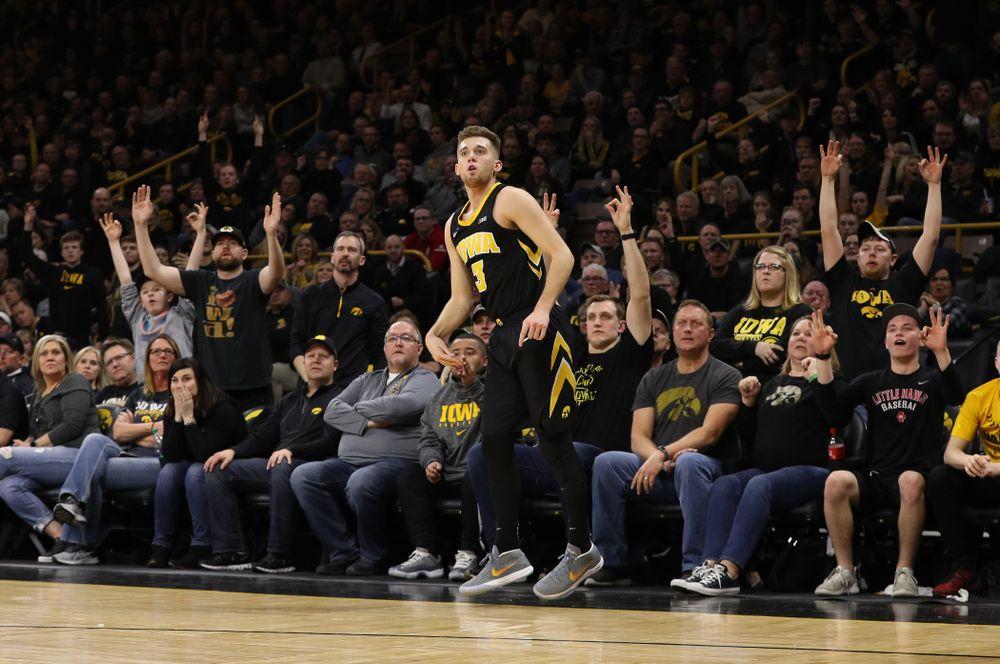 Iowa Hawkeyes guard Jordan Bohannon (3) against the Indiana Hoosiers Friday, February 22, 2019 at Carver-Hawkeye Arena. (Brian Ray/hawkeyesports.com)