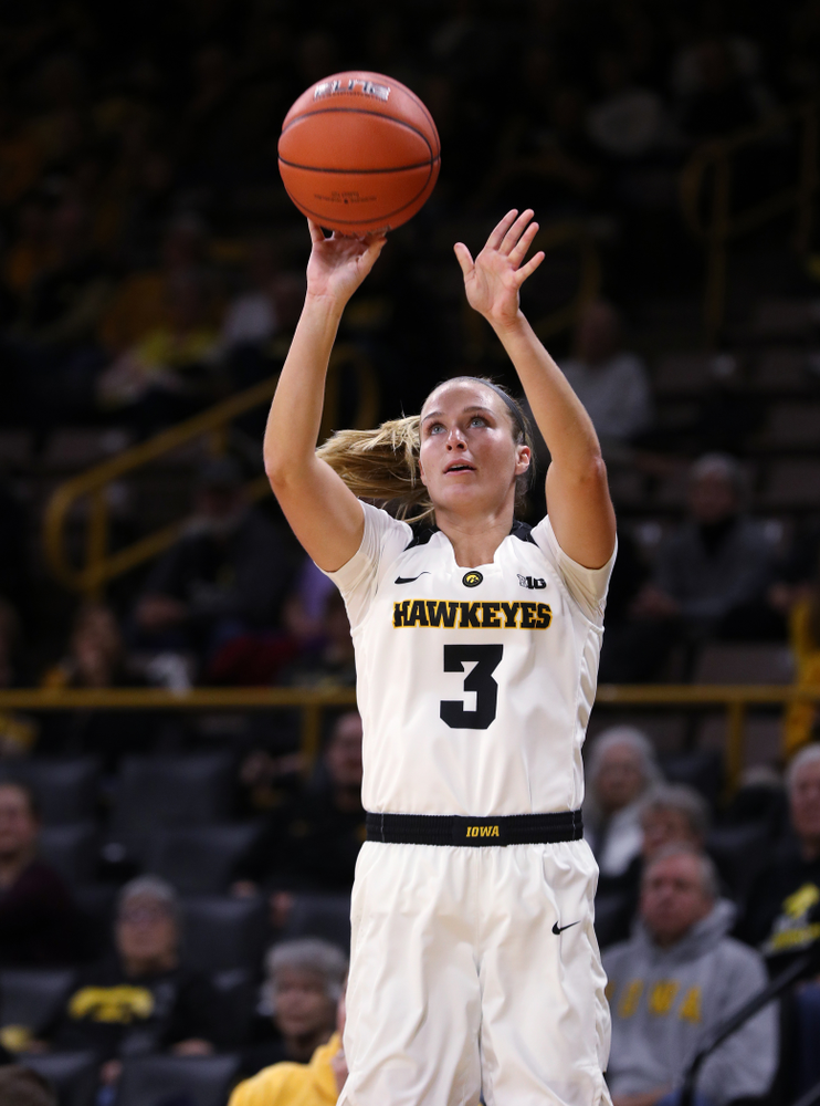 Iowa Hawkeyes guard Makenzie Meyer (3) against Dakota Wesleyan University Tuesday, November 6, 2018 at Carver-Hawkeye Arena. (Brian Ray/hawkeyesports.com)