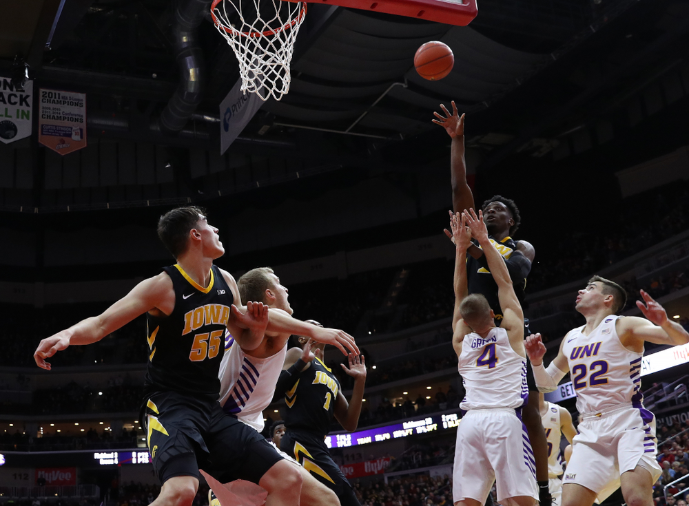 Iowa Hawkeyes forward Tyler Cook (25) against the Northern Iowa Panthers in the Hy-Vee Classic Saturday, December 15, 2018 at Wells Fargo Arena in Des Moines. (Brian Ray/hawkeyesports.com)