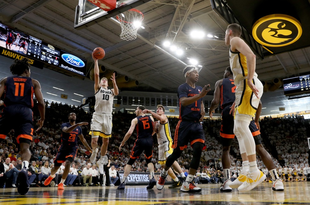 Iowa Hawkeyes guard Joe Wieskamp (10) goes to the hoop against the Illinois Fighting Illini Sunday, February 2, 2020 at Carver-Hawkeye Arena. (Brian Ray/hawkeyesports.com)