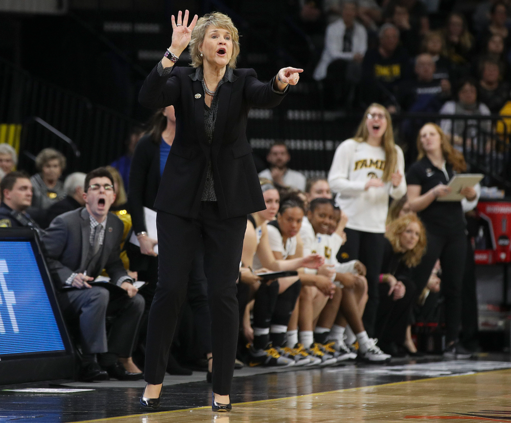 Iowa Hawkeyes head coach Lisa Bluder signals her team during the second quarter of their second round game in the 2019 NCAA Women's Basketball Tournament at Carver Hawkeye Arena in Iowa City on Sunday, Mar. 24, 2019. (Stephen Mally for hawkeyesports.com)