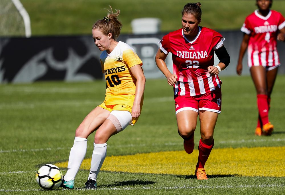 Iowa Hawkeyes midfielder Natalie Winters (10) passes the ball during a game against Indiana at the Iowa Soccer Complex on September 23, 2018. (Tork Mason/hawkeyesports.com)