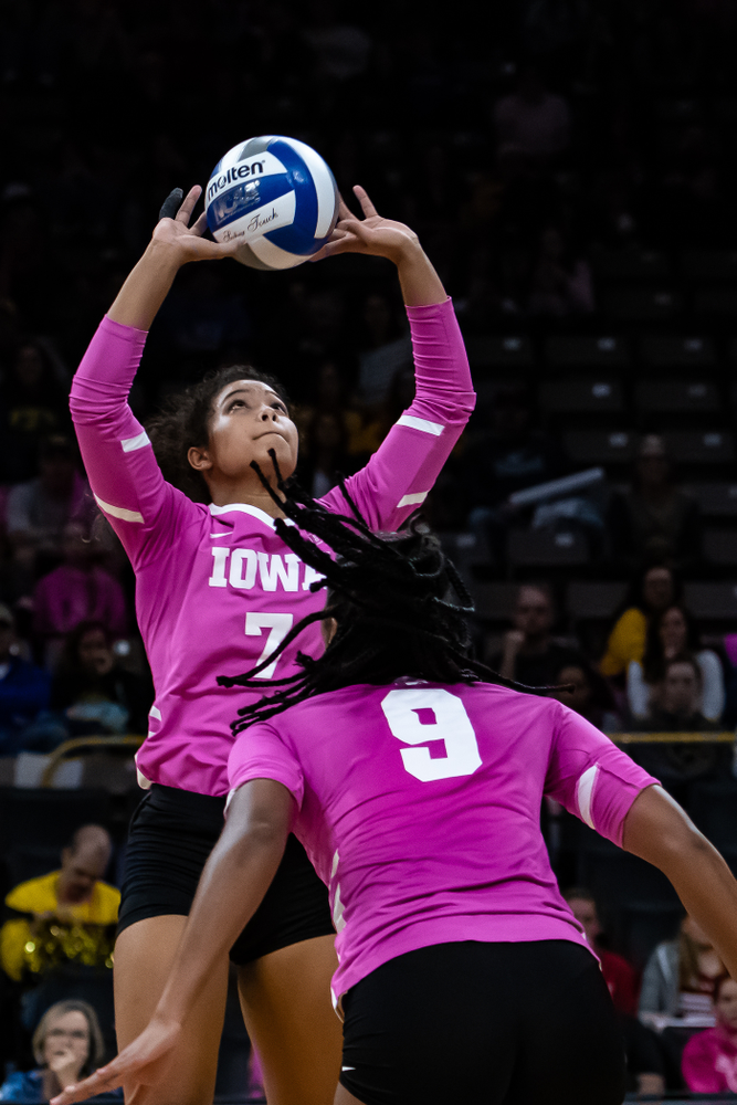 Iowa Hawkeyes setter Gabrielle Orr (7) against the Wisconsin Badgers Saturday, October 6, 2018 at Carver-Hawkeye Arena. (Clem Messerli/Iowa Sports Pictures)