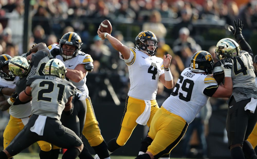 Iowa Hawkeyes quarterback Nate Stanley (4) against the Purdue Boilermakers Saturday, November 3, 2018 Ross Ade Stadium in West Lafayette, Ind. (Brian Ray/hawkeyesports.com)