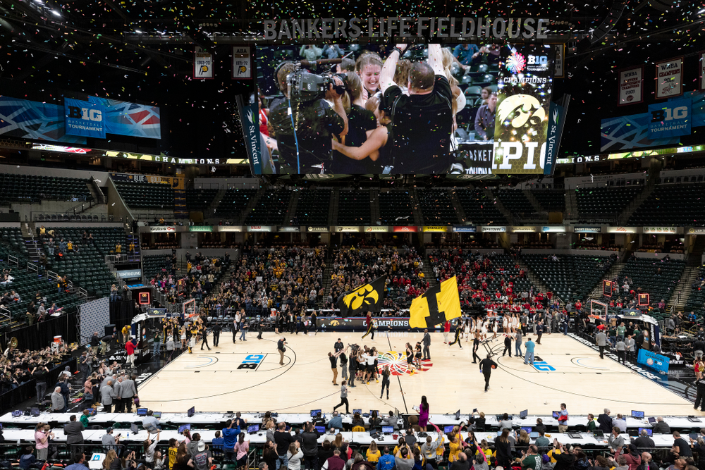 The Iowa Hawkeyes celebrate their victory overthe Maryland Terrapins in the Big Ten Championship Game Sunday, March 10, 2019 at Bankers Life Fieldhouse in Indianapolis, Ind. (Brian Ray/hawkeyesports.com)