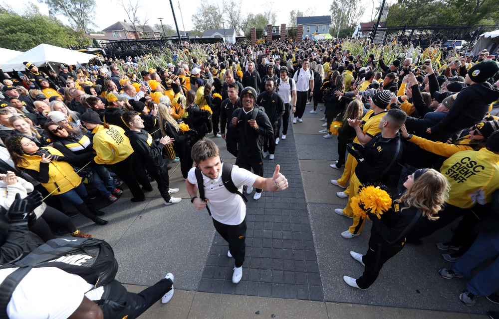 The Iowa Hawkeyes arrive for their game against the Penn State Nittany Lions Saturday, October 12, 2019 at Kinnick Stadium. (Brian Ray/hawkeyesports.com)
