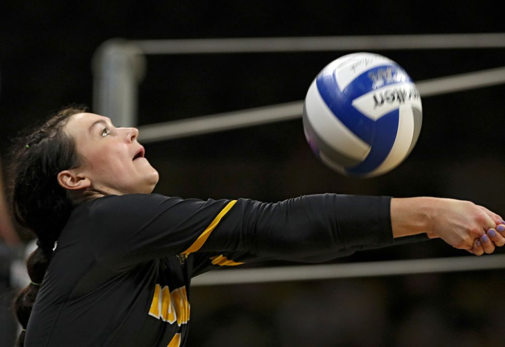 Iowa's Halle Johnston (4) eyes the ball during the first set of their Big Ten/Pac-12 Challenge match against Colorado at Carver-Hawkeye Arena in Iowa City on Friday, Sep 6, 2019. (Stephen Mally/hawkeyesports.com)