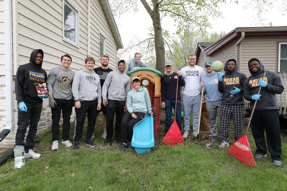 Members of the Hawkeye Football team volunteer at United Action for Youth during the annual Iowa Athletics Day of Caring  Sunday, April 28, 2019 in Iowa City. (Brian Ray/hawkeyesports.com)
