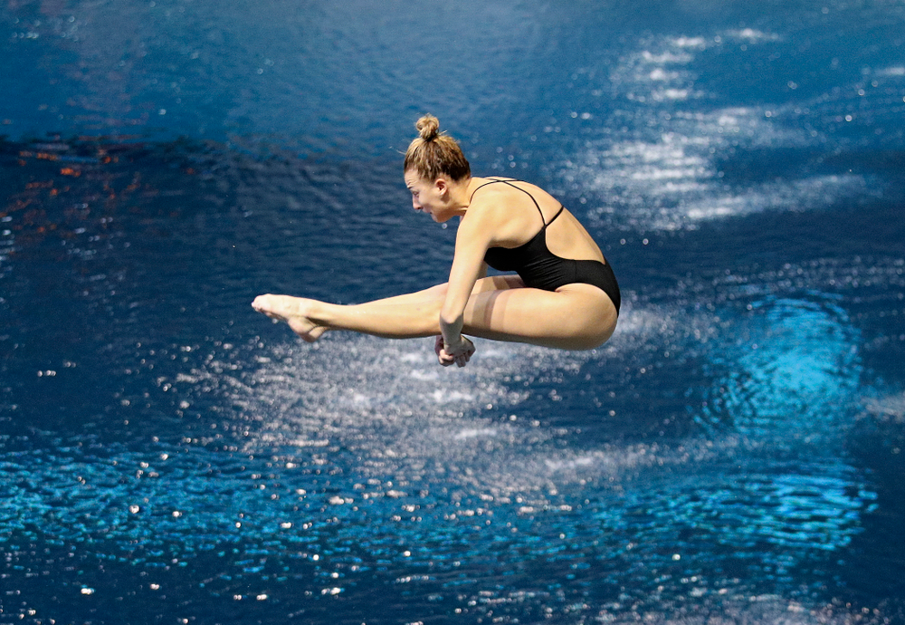 Iowa's Samantha Tamborski competes in the women's 1-meter diving event during their meet against Michigan State and Northern Iowa at the Campus Recreation and Wellness Center in Iowa City on Friday, Oct 4, 2019. (Stephen Mally/hawkeyesports.com)
