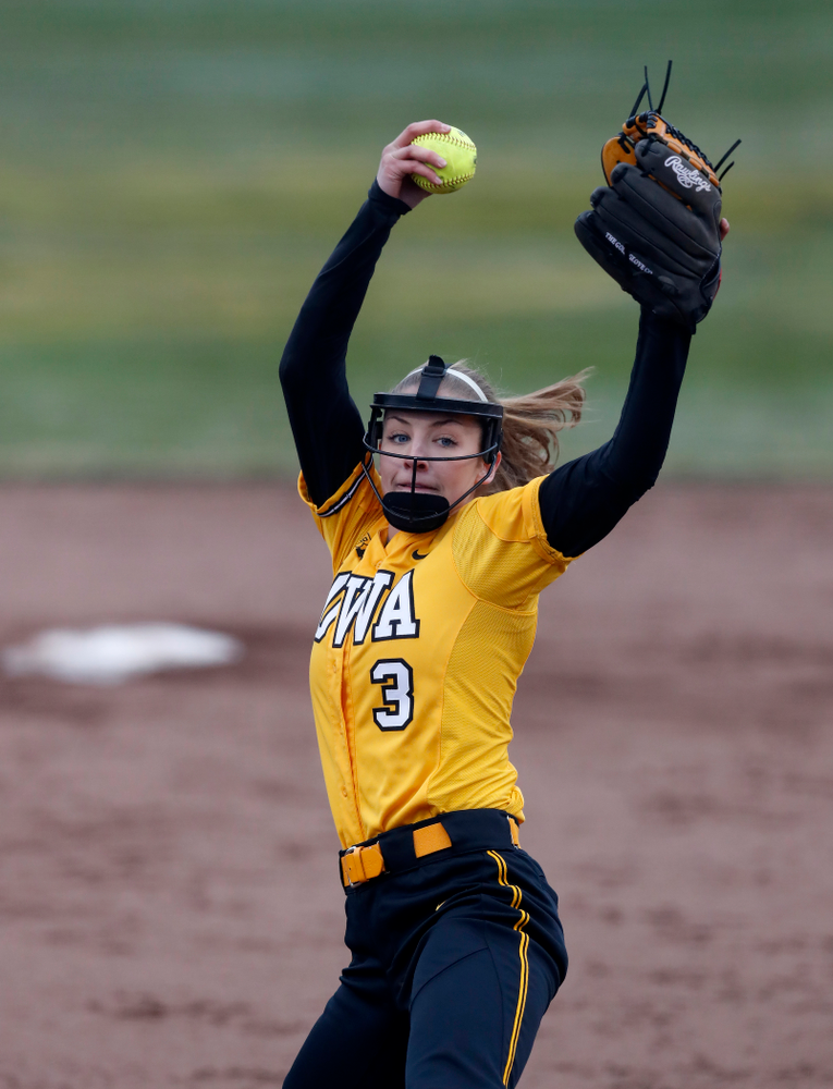 Iowa Hawkeyes starting pitcher/relief pitcher Allison Doocy (3) against UW Green Bay Tuesday, March 27, 2018 at Bob Pearl Field. (Brian Ray/hawkeyesports.com)