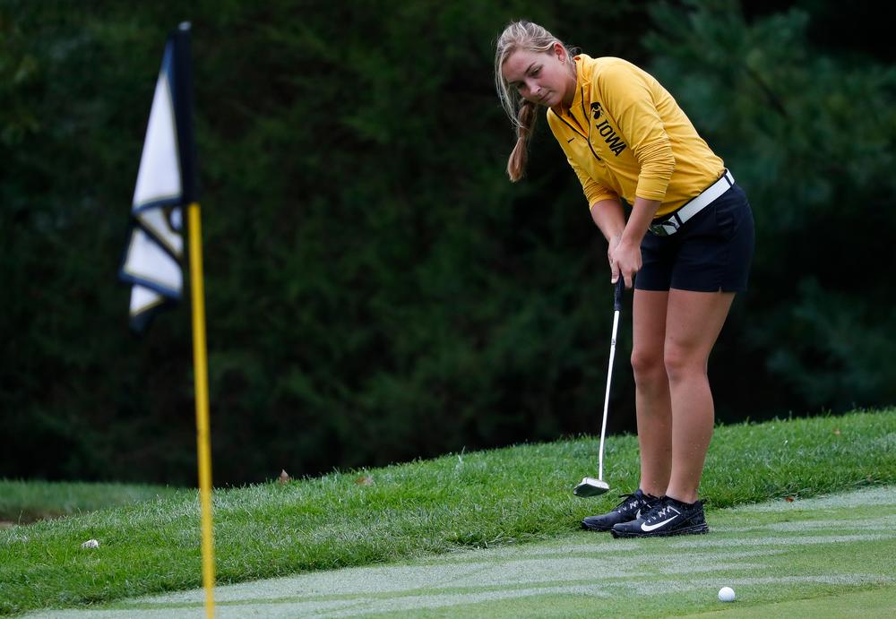 Iowa's Stephanie Herzog putts during the Diane Thomason Invitational at Finkbine Golf Course on September 29, 2018. (Tork Mason/hawkeyesports.com)