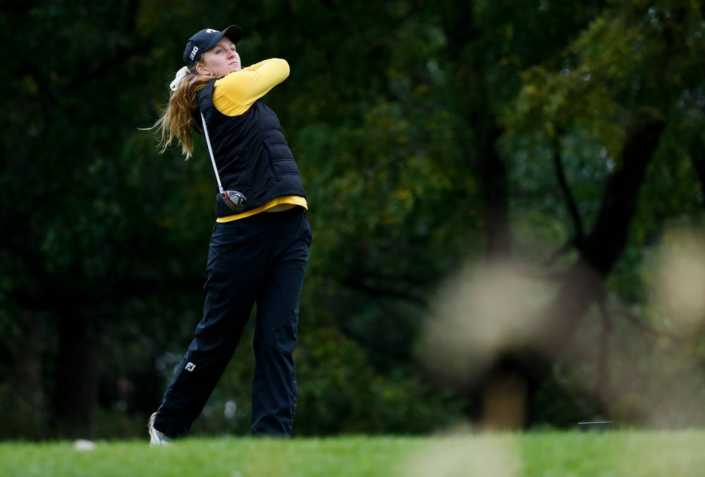 Iowa's Annalee Dannegger tees off during the Diane Thomason Invitational at Finkbine Golf Course on September 29, 2018. (Tork Mason/hawkeyesports.com)