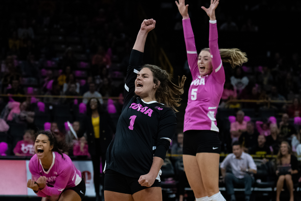 Iowa Hawkeyes defensive specialist Molly Kelly (1) against the Wisconsin Badgers Saturday, October 6, 2018 at Carver-Hawkeye Arena. (Clem Messerli/Iowa Sports Pictures)