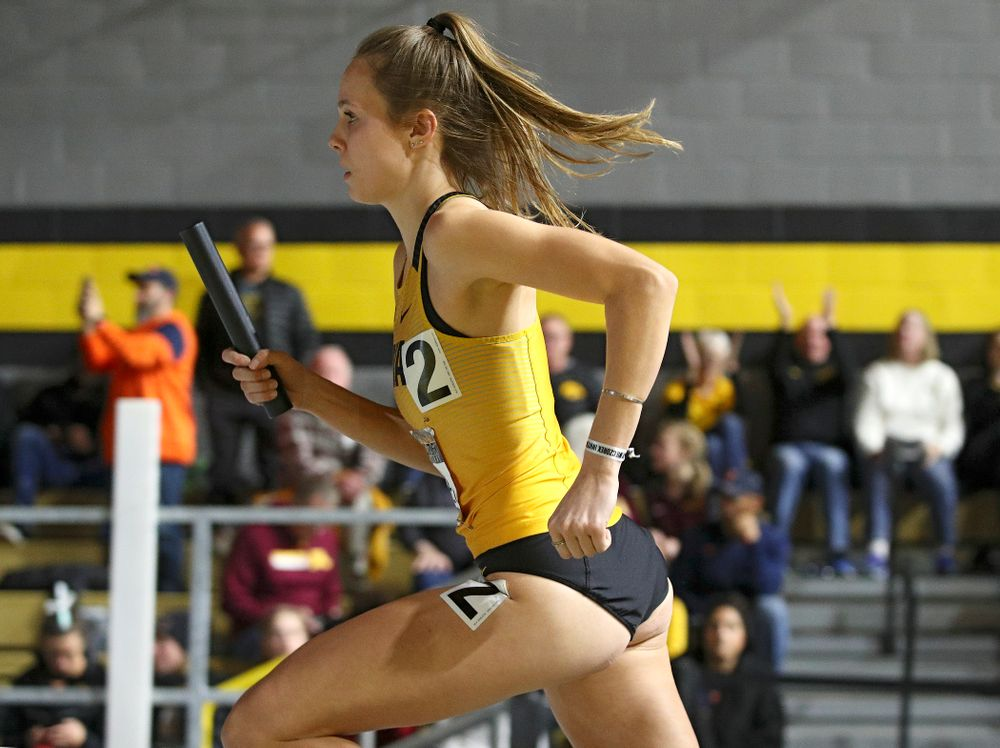 Iowa's Payton Wensel runs the women's 1600 meter relay premier event during the Larry Wieczorek Invitational at the Recreation Building in Iowa City on Saturday, January 18, 2020. (Stephen Mally/hawkeyesports.com)