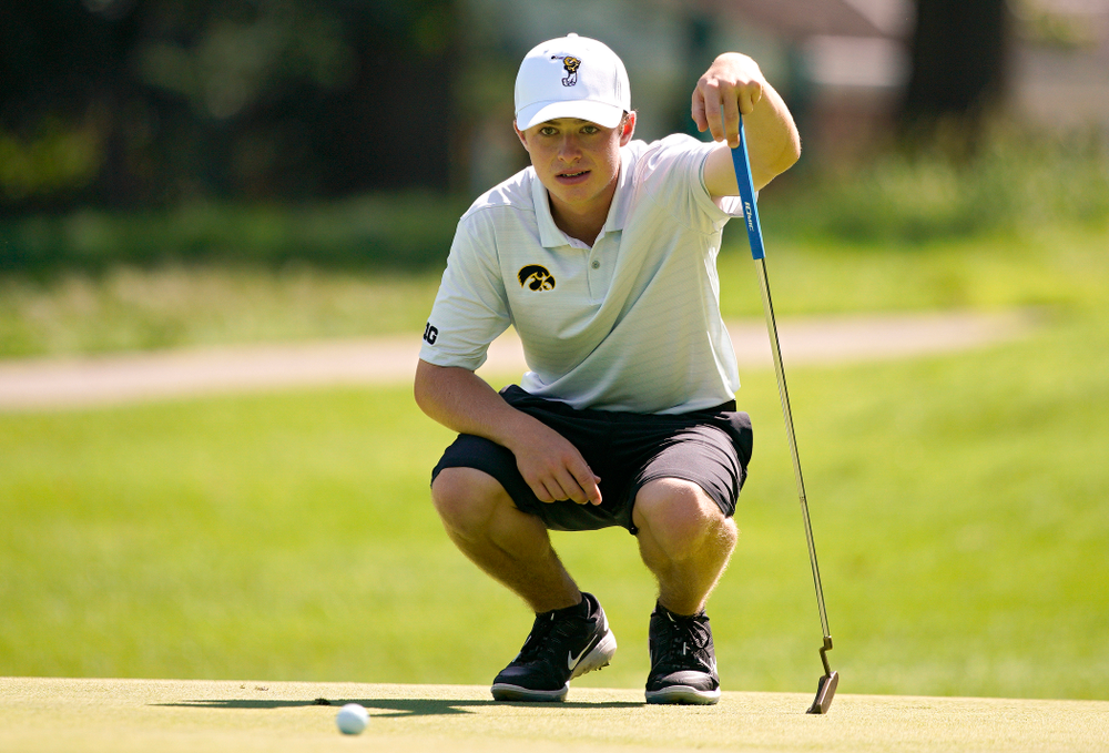 Iowa's Matthew Garside lines up a putt during the second day of the Golfweek Conference Challenge at the Cedar Rapids Country Club in Cedar Rapids on Monday, Sep 16, 2019. (Stephen Mally/hawkeyesports.com)