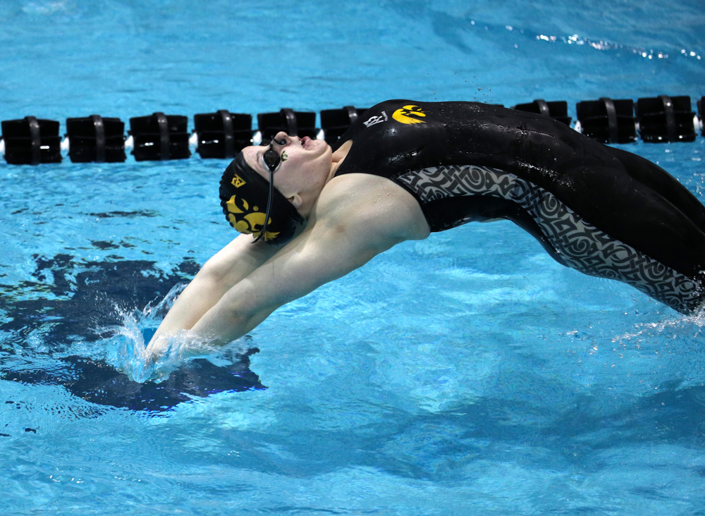 Iowa's Natalie McGovern swims the 200-yard backstroke against the Iowa State Cyclones in the Iowa Corn Cy-Hawk Series Friday, December 7, 2018 at at the Campus Recreation and Wellness Center. (Brian Ray/hawkeyesports.com)