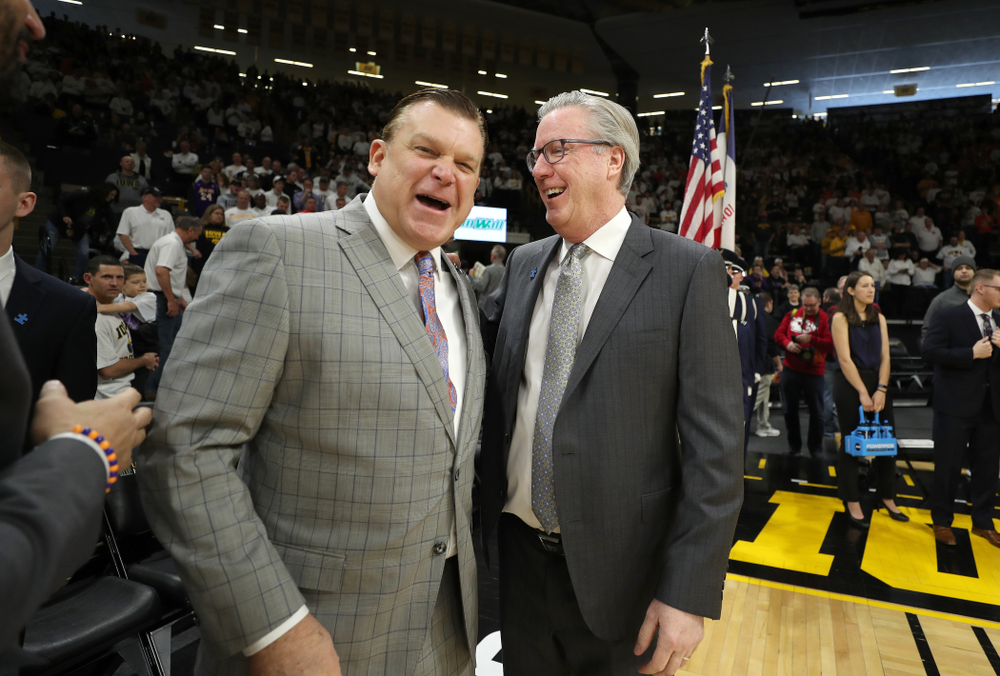 Iowa Hawkeyes head coach Fran McCaffery talks with Illinois Fighting Illini head coach Brad Underwood Sunday, February 2, 2020 at Carver-Hawkeye Arena. (Brian Ray/hawkeyesports.com)
