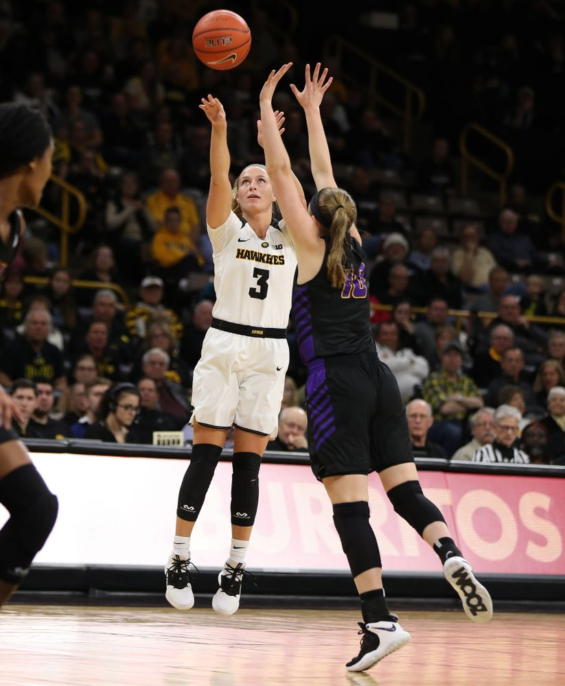 Iowa Hawkeyes guard Makenzie Meyer (3) against the Northern Iowa Panthers in the Hy-Vee Classic Sunday, December 16, 2018 at Carver-Hawkeye Arena. (Brian Ray/hawkeyesports.com)