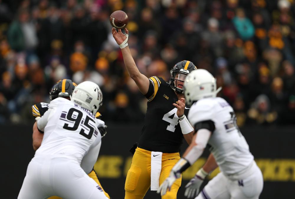 Iowa Hawkeyes quarterback Nate Stanley (4) against the Northwestern Wildcats Saturday, November 10, 2018 at Kinnick Stadium. (Brian Ray/hawkeyesports.com)