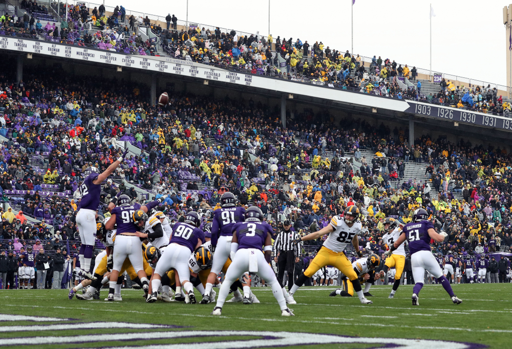 Iowa Hawkeyes place kicker Keith Duncan (3) against the Northwestern Wildcats Saturday, October 26, 2019 at Ryan Field in Evanston, Ill. (Brian Ray/hawkeyesports.com)