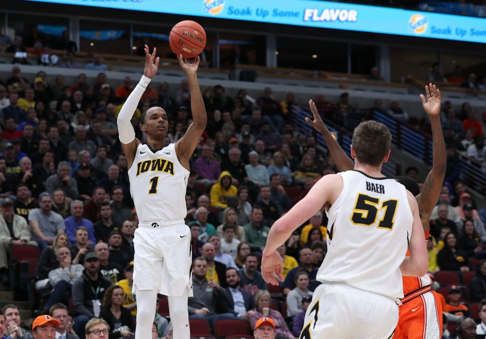 Iowa Hawkeyes guard Maishe Dailey (1) against the Illinois Fighting Illini in the 2019 Big Ten Men's Basketball Tournament Thursday, March 14, 2019 at the United Center in Chicago. (Brian Ray/hawkeyesports.com)
