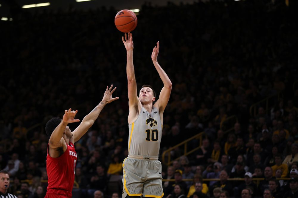 Iowa Hawkeyes guard Joe Wieskamp (10) against the Nebraska Cornhuskers Sunday, January 6, 2019 at Carver-Hawkeye Arena. (Brian Ray/hawkeyesports.com)