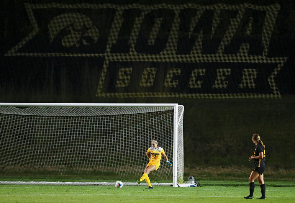 Iowa goalkeeper Claire Graves (1) passes the ball during the second half of their match against Western Michigan at the Iowa Soccer Complex in Iowa City on Thursday, Aug 22, 2019. (Stephen Mally/hawkeyesports.com)