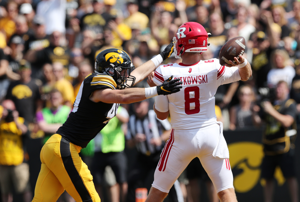 Iowa Hawkeyes linebacker Nick Niemann (49) against the Rutgers Scarlet Knights Saturday, September 7, 2019 at Kinnick Stadium. (Brian Ray/hawkeyesports.com)