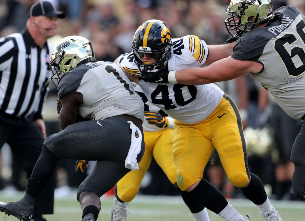 Iowa Hawkeyes defensive end Parker Hesse (40) against the Purdue Boilermakers Saturday, November 3, 2018 Ross Ade Stadium in West Lafayette, Ind. (Brian Ray/hawkeyesports.com)