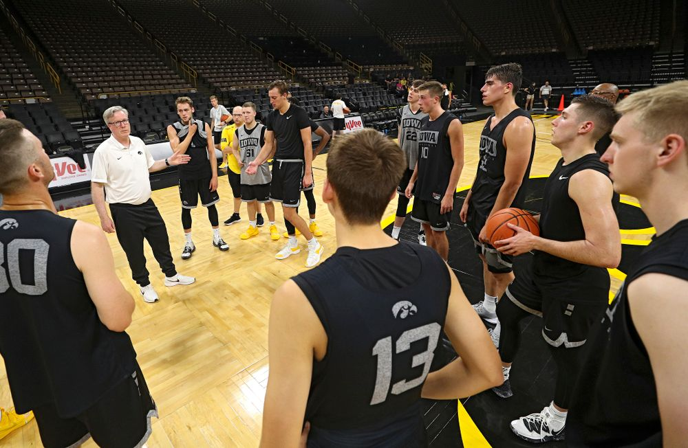 Iowa Hawkeyes head coach Fran McCaffery talks with his team at the end of practice at Carver-Hawkeye Arena in Iowa City on Monday, Sep 30, 2019. (Stephen Mally/hawkeyesports.com)