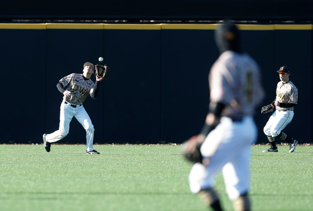 Iowa Hawkeyes outfielder Ben Norman (9) against the Ohio State Buckeyes Saturday, April 7, 2018 at Duane Banks Field. (Brian Ray/hawkeyesports.com)