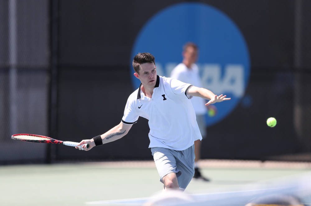 IowaÕs Jonas Larsen against the Michigan Wolverines Sunday, April 21, 2019 at the Hawkeye Tennis and Recreation Complex. (Brian Ray/hawkeyesports.com)