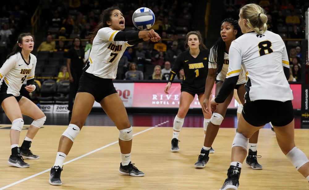 Iowa Hawkeyes setter Brie Orr (7) bumps the ball during a match against Maryland at Carver-Hawkeye Arena on November 23, 2018. (Tork Mason/hawkeyesports.com)