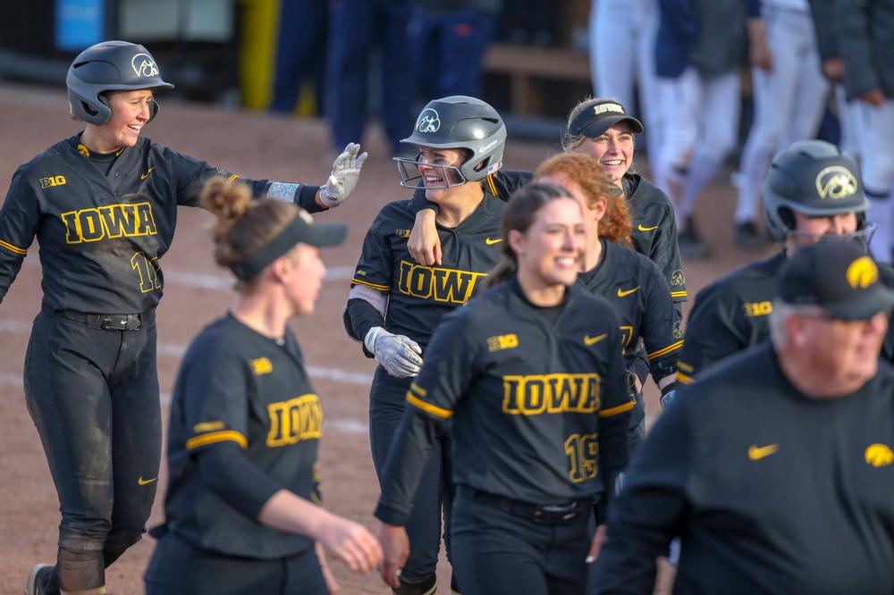 The Iowa softball team at softball vs Illinois game 3 on Saturday, April 13, 2019 at Bob Pearl Field. (Lily Smith/hawkeyesports.com)