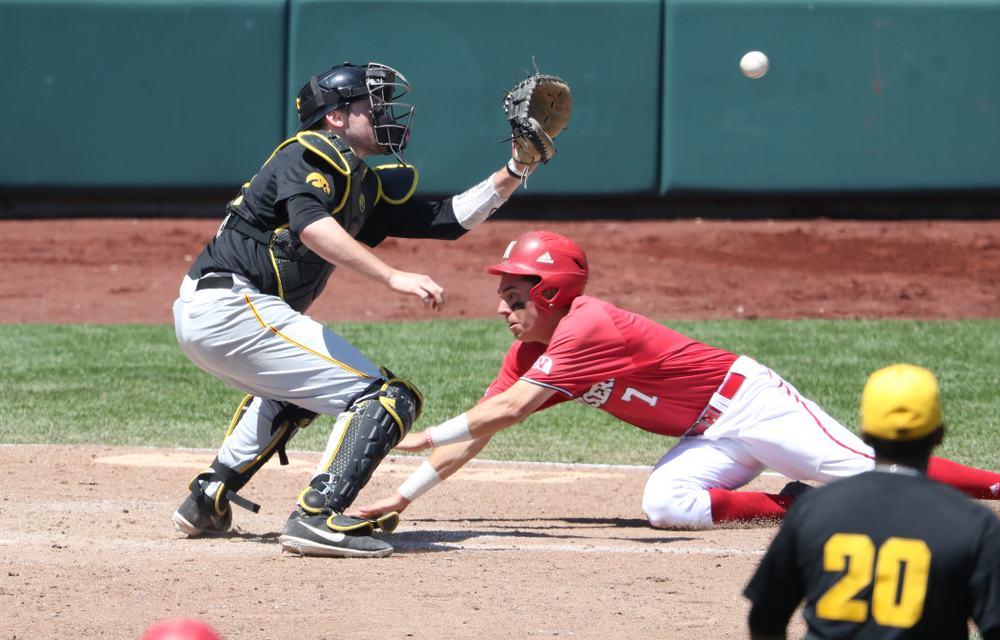 Iowa Hawkeyes catcher Brett McCleary (32) against the Nebraska Cornhuskers in the first round of the Big Ten Baseball Tournament Friday, May 24, 2019 at TD Ameritrade Park in Omaha, Neb. (Brian Ray/hawkeyesports.com)