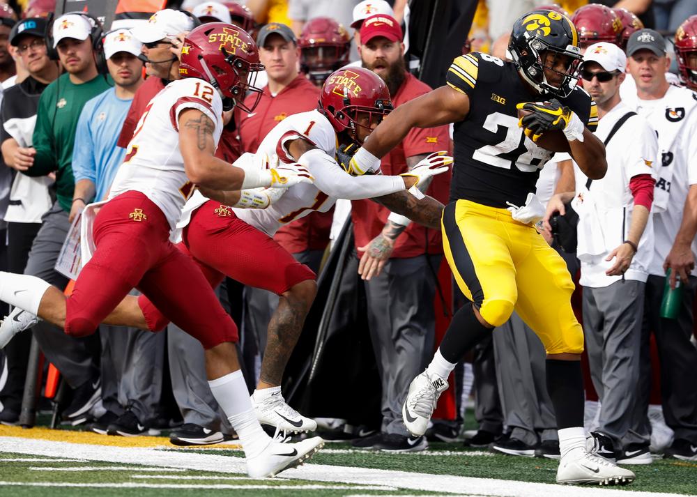 Iowa Hawkeyes running back Toren Young (28)