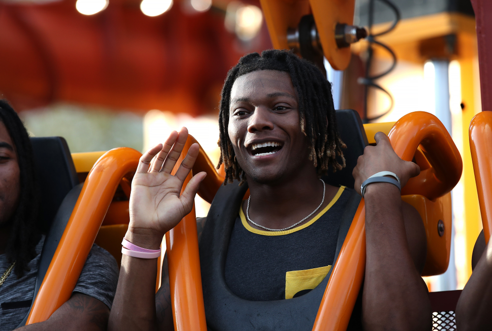 Iowa Hawkeyes wide receiver Brandon Smith (12) rides Falcon's Fury during an Outback Bowl team event Saturday, December 29, 2018 at Busch Gardens in Tampa, FL. (Brian Ray/hawkeyesports.com)