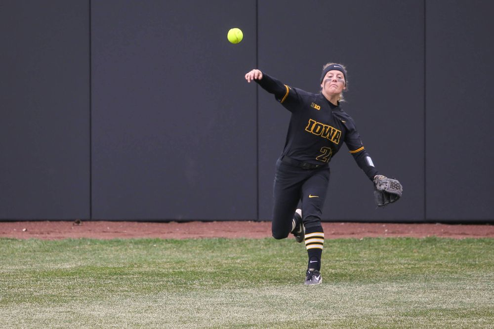Iowa's Havyn Monteer (21) at game 2 vs Northwestern on Saturday, March 30, 2019 at Bob Pearl Field. (Lily Smith/hawkeyesports.com)