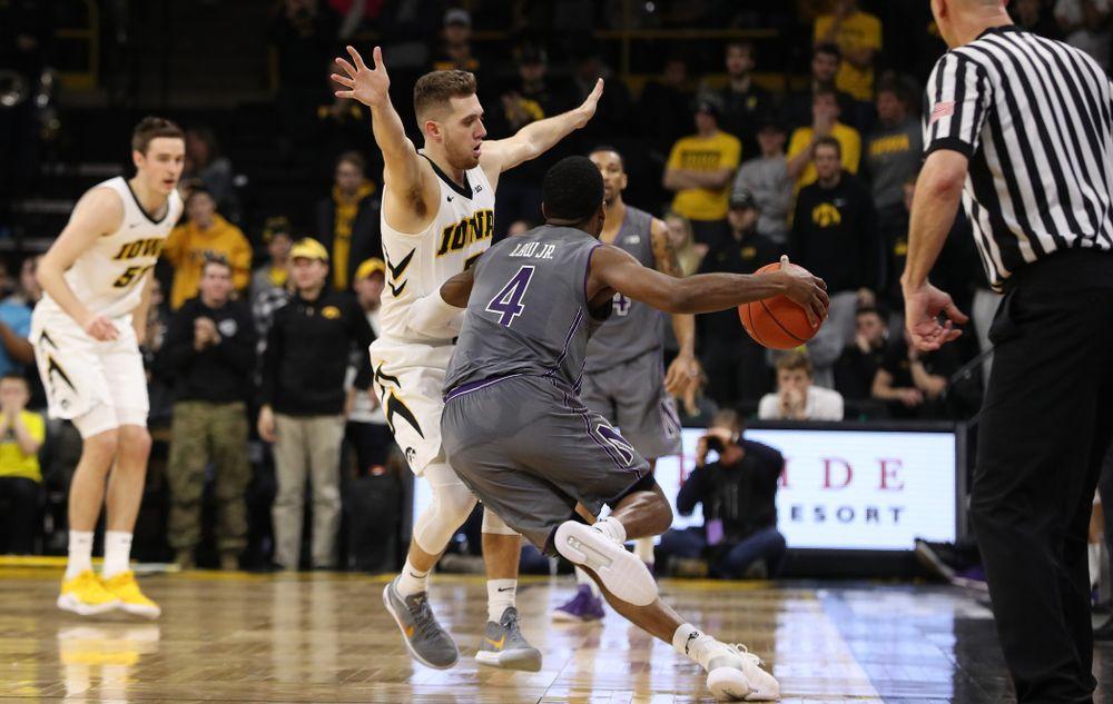 Iowa Hawkeyes guard Jordan Bohannon (3) against the Northwestern Wildcats Sunday, February 10, 2019 at Carver-Hawkeye Arena. (Brian Ray/hawkeyesports.com)