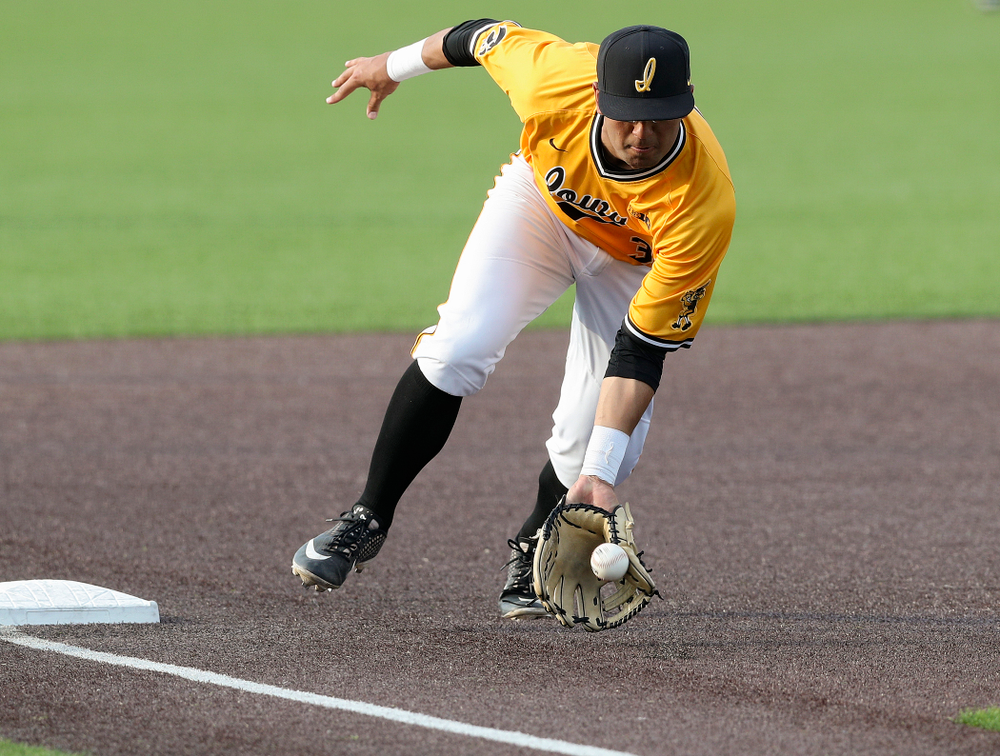 Iowa Hawkeyes third baseman Matthew Sosa (31) fields a ground ball during the fifth inning of their game against Northern Illinois at Duane Banks Field in Iowa City on Tuesday, Apr. 16, 2019. (Stephen Mally/hawkeyesports.com)