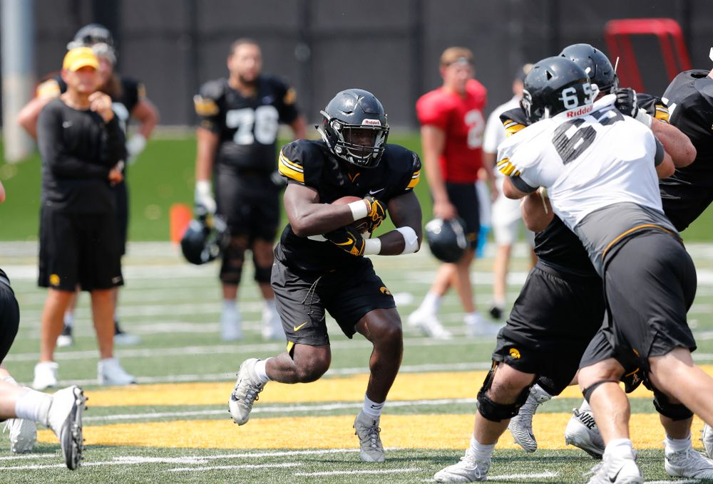 Iowa Hawkeyes running back Henry Geil (30) during fall camp practice No. 9 Friday, August 10, 2018 at the Kenyon Practice Facility. (Brian Ray/hawkeyesports.com)
