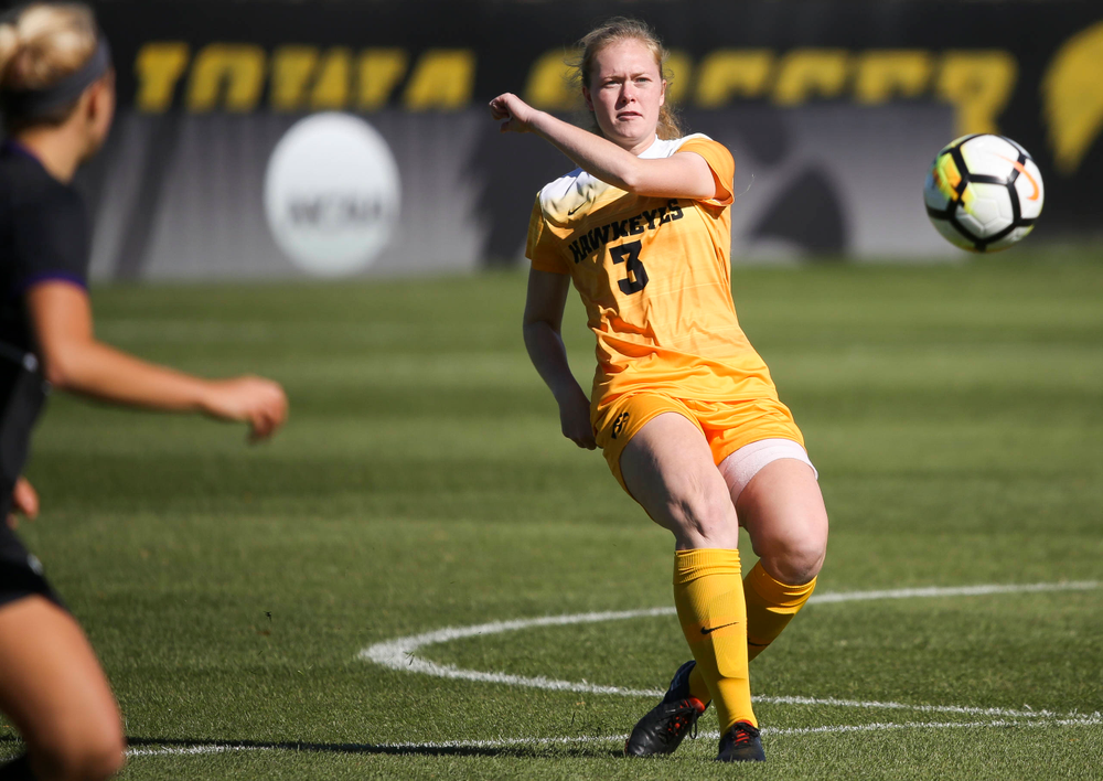 Iowa Hawkeyes defender Morgan Kemerling (3) passes the ball during a game against Northwestern at the Iowa Soccer Complex on October 21, 2018. (Tork Mason/hawkeyesports.com)