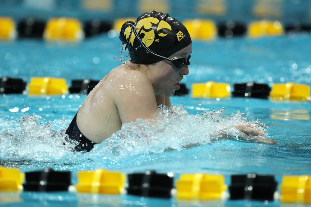 Iowa's Kelsey Drake swims the 200 yard Individual Medley Thursday, November 15, 2018 during the 2018 Hawkeye Invitational at the Campus Recreation and Wellness Center. (Brian Ray/hawkeyesports.com)