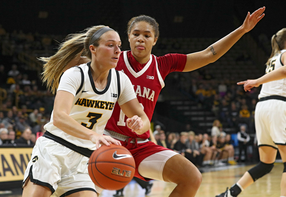 Iowa Hawkeyes guard Makenzie Meyer (3) drives with the ball during the second quarter of their game at Carver-Hawkeye Arena in Iowa City on Sunday, January 12, 2020. (Stephen Mally/hawkeyesports.com)