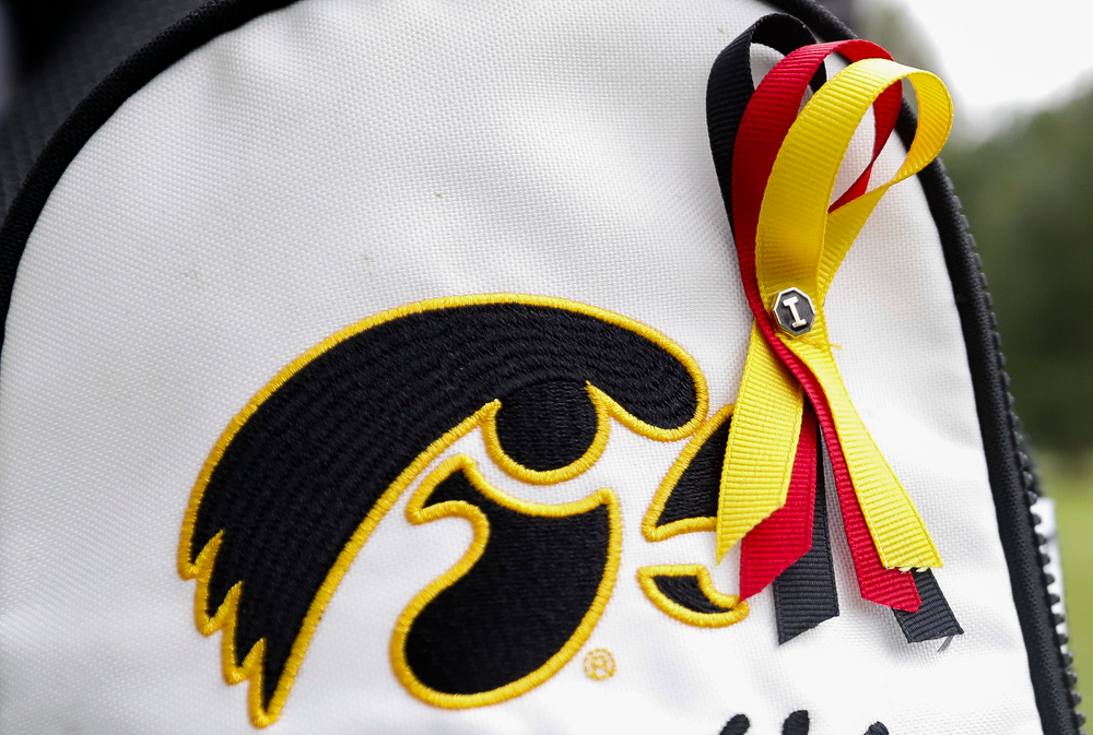 During the Diane Thomason Invitational, the Iowa women's golf team displayed ribbons in honor of former Iowa State golfer Celia Barquin Arozamena, who was killed while playing at Coldwater Golf Links in Ames on September 17, 2018. (Tork Mason/hawkeyesports.com)