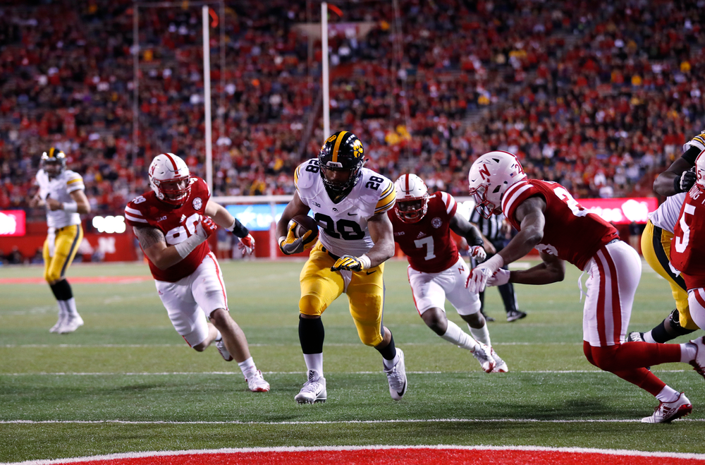 Iowa Hawkeyes running back Toren Young (28)