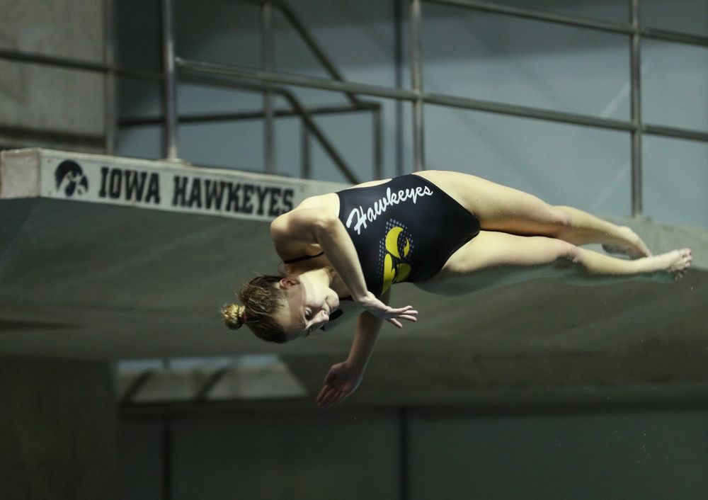 Iowa's Samantha Tamborski competes on the 1-meter springboard against the Iowa State Cyclones in the Iowa Corn Cy-Hawk Series Friday, December 7, 2018 at at the Campus Recreation and Wellness Center. (Brian Ray/hawkeyesports.com)