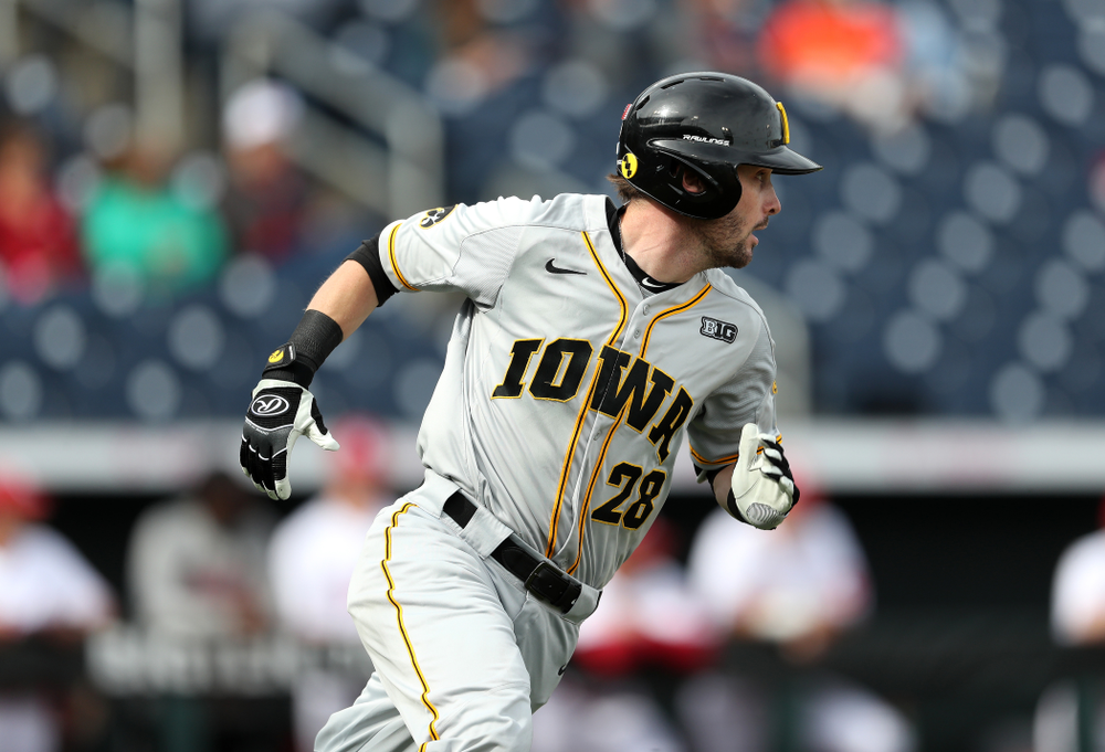 Iowa Hawkeyes Chris Whelan (28) doubles against the Indiana Hoosiers in the first round of the Big Ten Baseball Tournament Wednesday, May 22, 2019 at TD Ameritrade Park in Omaha, Neb. (Brian Ray/hawkeyesports.com)